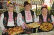 Близо 40 баници се изядоха на втория празник посветен на дрипавата баница във Върбица